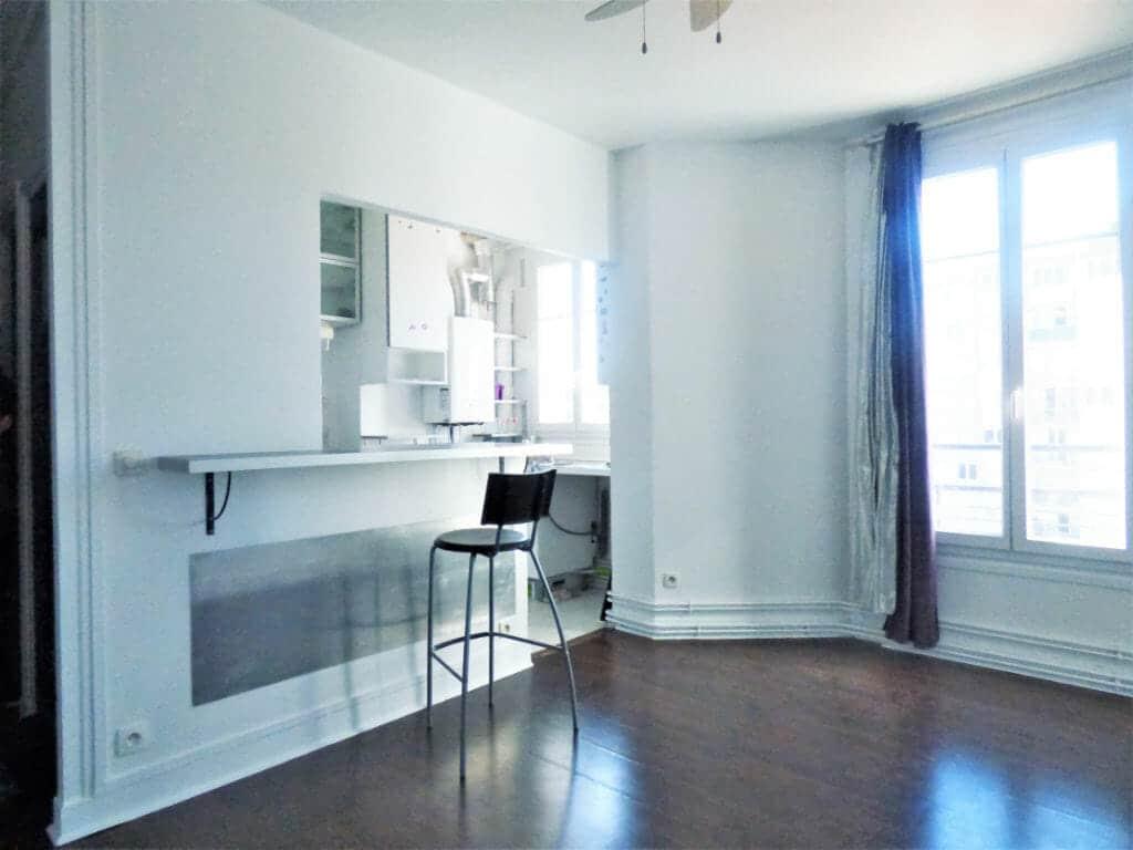agence immo alfortville: 2 pièces 31 m², cuisine semi ouverte sur le séjour très lumineux