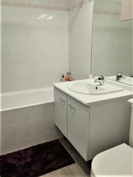 location appartement maison alfort: studio 30 m²,  salle de bain carrelée avec douche, wc