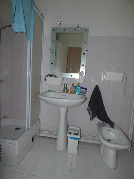location vente appartement 94: 3 pièces 73 m², salle d'eau avec cabine de douche, lavabo et bidet