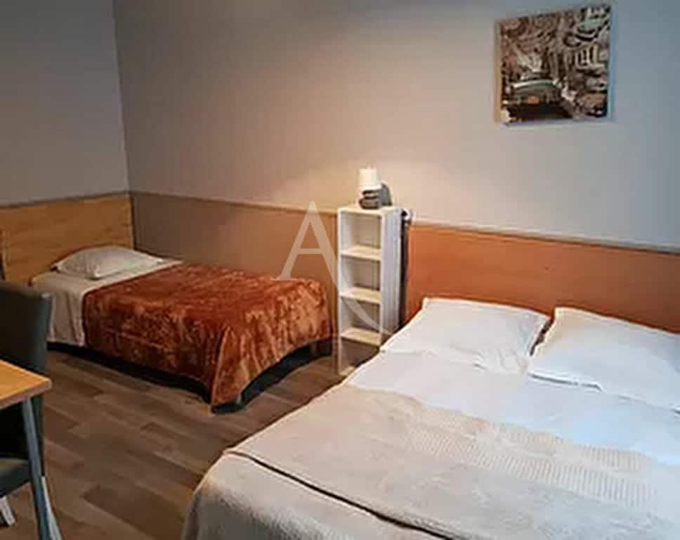 agence immobilière 94 - immeuble murs et fonds 20 chambres 500 m² + appartement 5 pièces - annonce 2571 - photo Im01