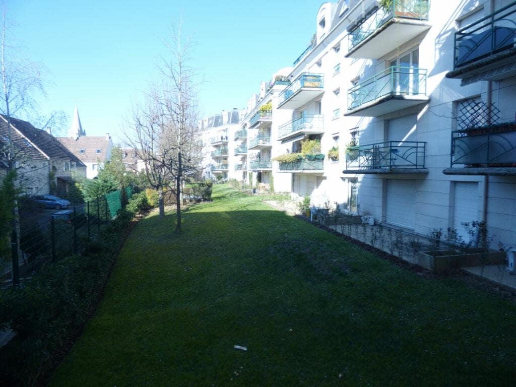 agence immobiliere maisons-alfort: appartement 3 pièces 82 m², résidence calme, proche de toutes commodités avec 2 places de parking en enfilades boxées