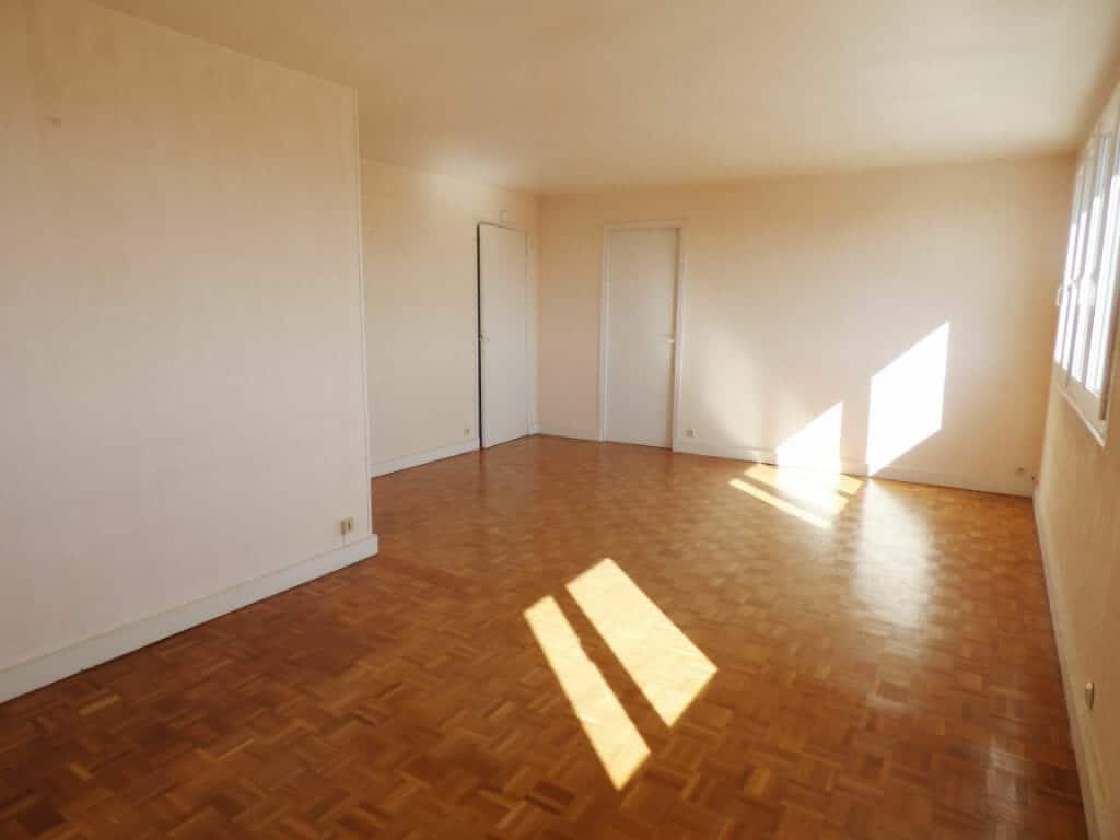 appartement a vendre maisons alfort: 3 pièces 63 m² avec double séjour, entre métro et rer, résidence sécurisée