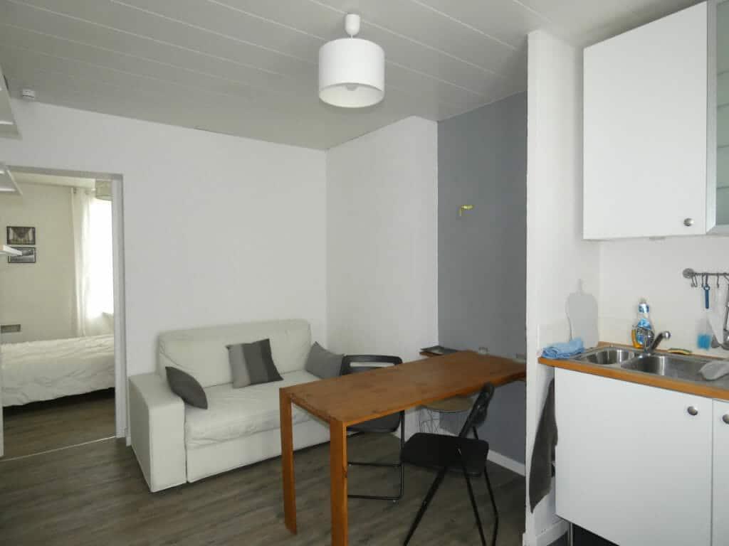 estimation appartement alfortville: 2 pièces 29 m², salon / séjour avec coin table et cuisine