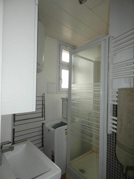 louer appartement alfortville: 2 pièces 29 m², salle d'eau fonctionelle avec cabine de douche