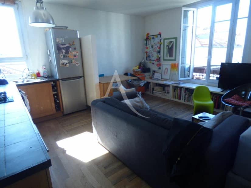 alfortville immobilier: 3 pièces 54 m², séjour lumineux, parquet chêne massif