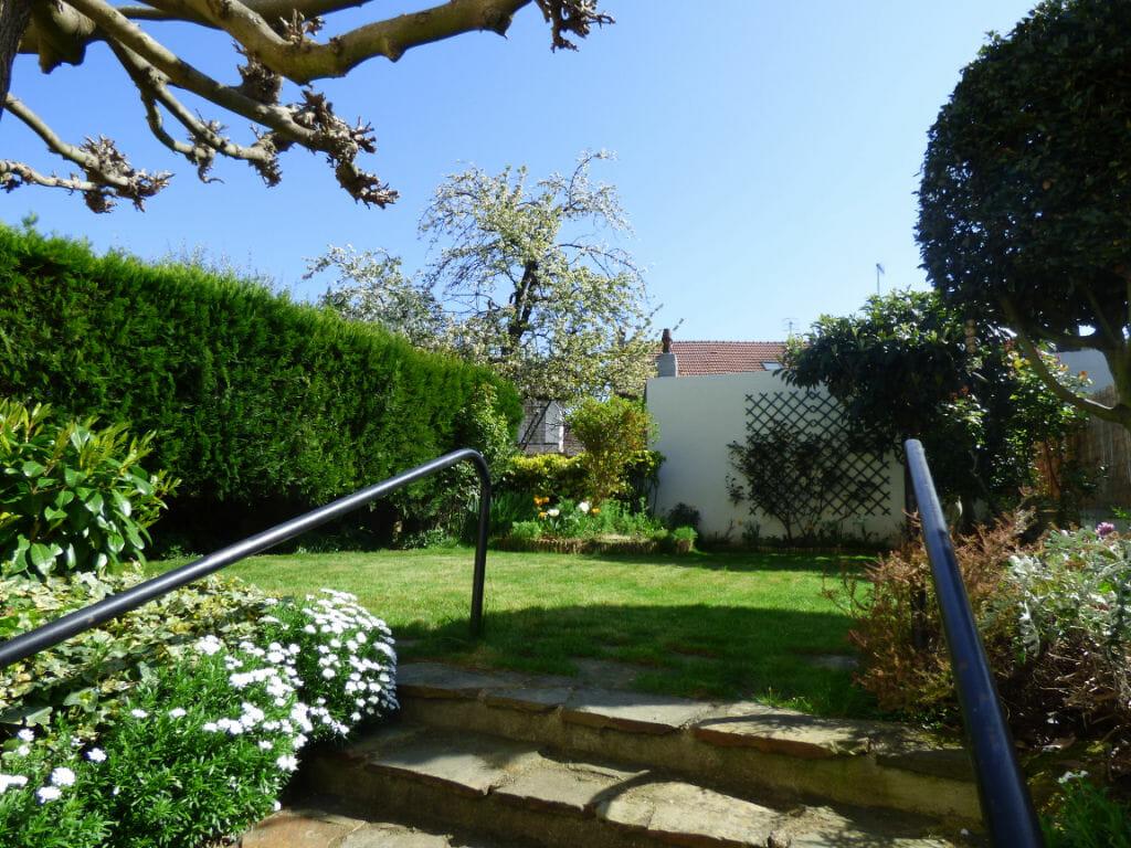 agence immobilière 94 loue appartement 3 pièces 66 m² à vitry sur seine avec jardin commun