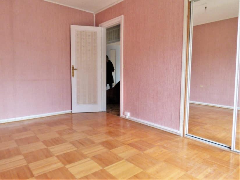 immobilier louer: appartement 3 pièces 66 m², première des deux chambres avec placard intégré