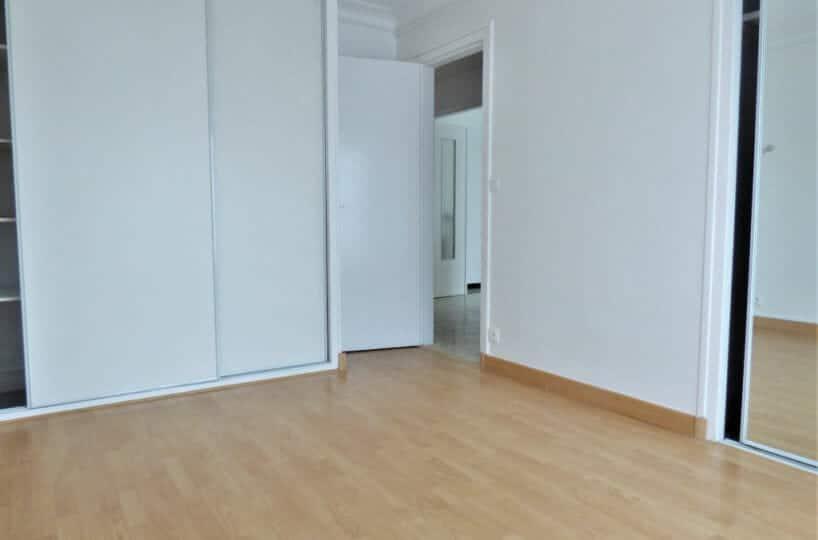 appartement a louer val de marne pas cher: 3 pièces, chambre à coucher, penderie encastrée