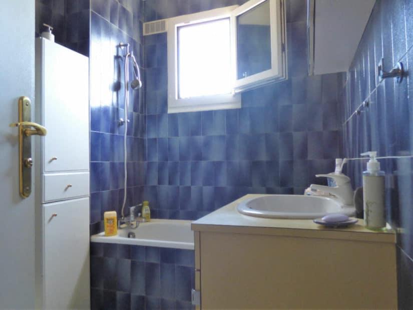 location appartement pas cher val de marne: 3 pièces, salle de bain avec baignoire, vitry sur seine