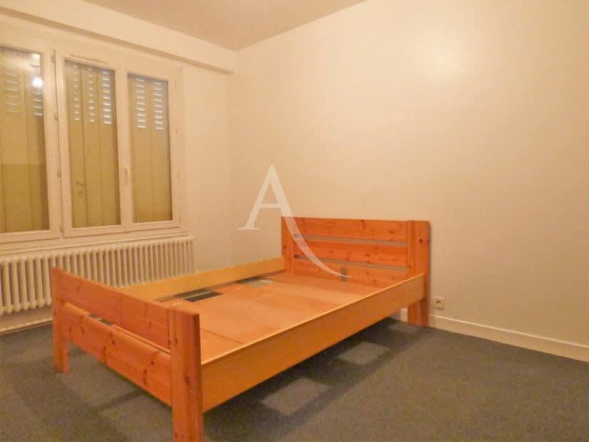 agence immobiliere 94: maison 8 pièces 218 m², chambre à l'étage