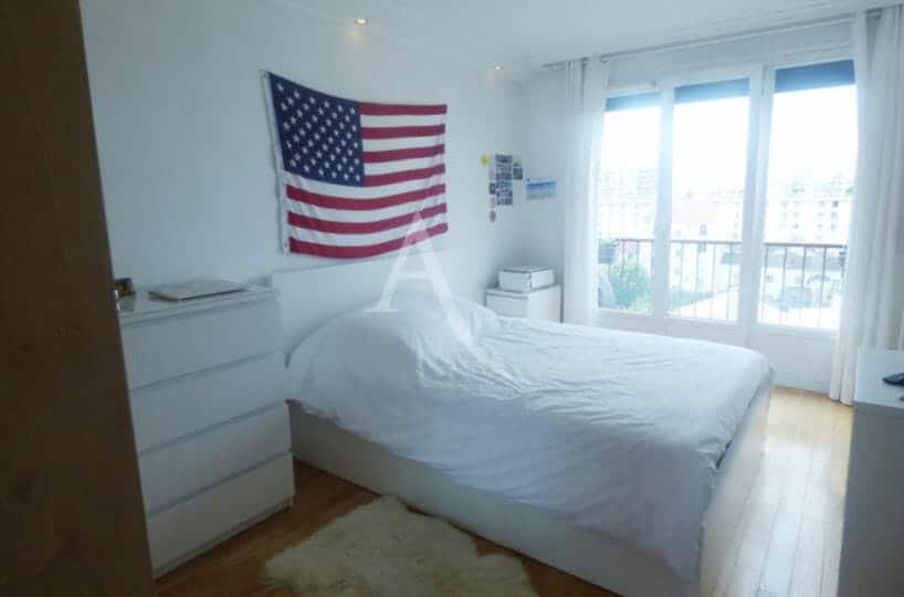 agence immo maisons-alfort: appartement 3 pièces 53 m², 2° chambre, grande fenêtre, vue dégagée, 6° étage