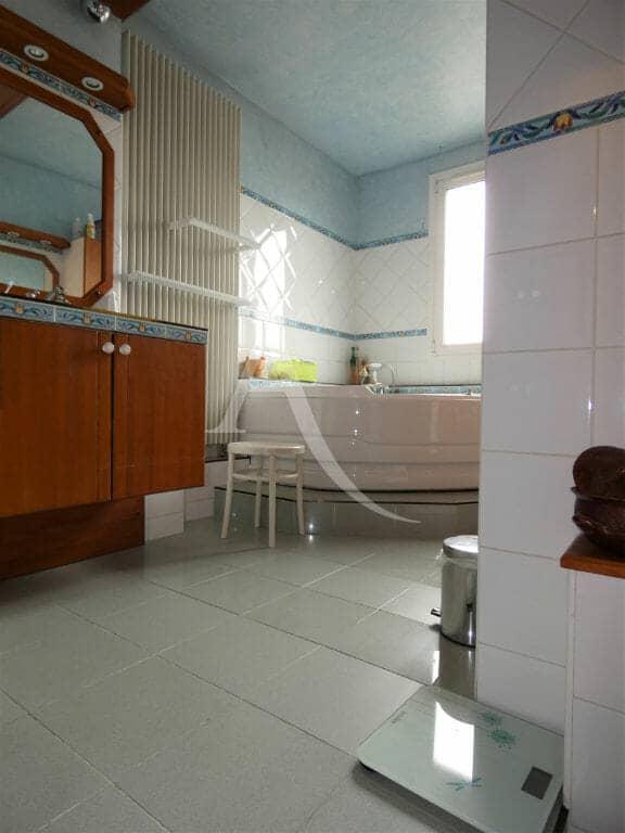 valerie immobilier alfortville - maison 6 pièces, 125 m² - première salle de bains