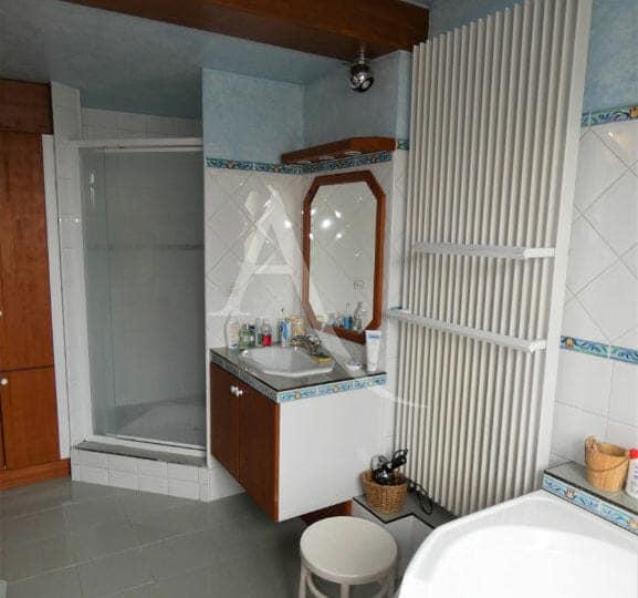 agence immo alfortville - maison 6 pièces, 125 m² - seconde salle d'eau avec douche italienne
