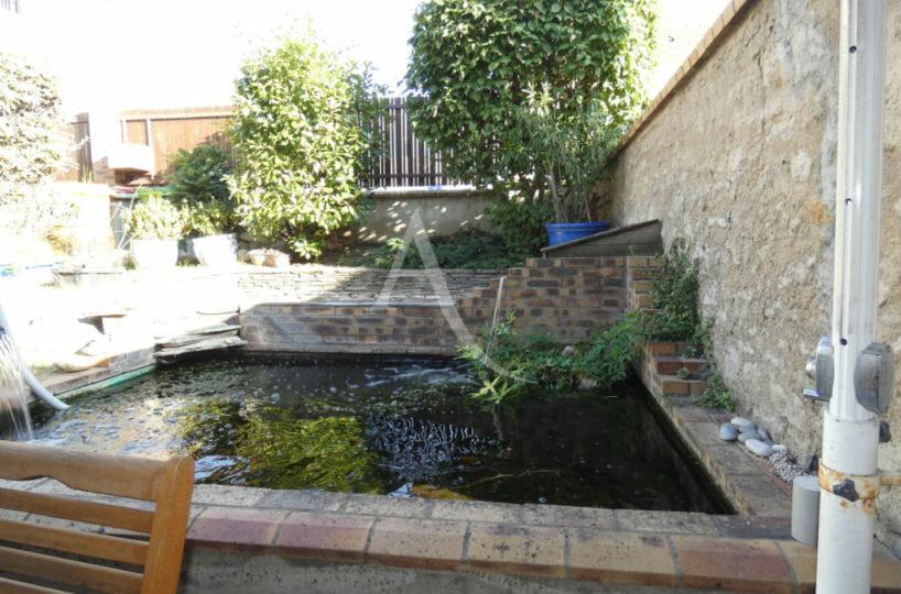 vente maison à alfortville - 6 pièces, 125 m² - cour, terrasse et bassin - 300 m²