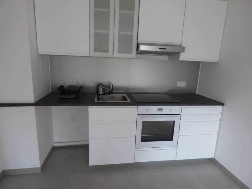 agence immobilière maisons-alfort: à louer 3 pièces, cuisine aménaée et semi équipée