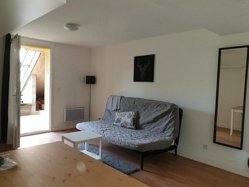 agence immobilière maisons-alfort: studio meublé 23 m², proche centre ville, en rdc avec jardin