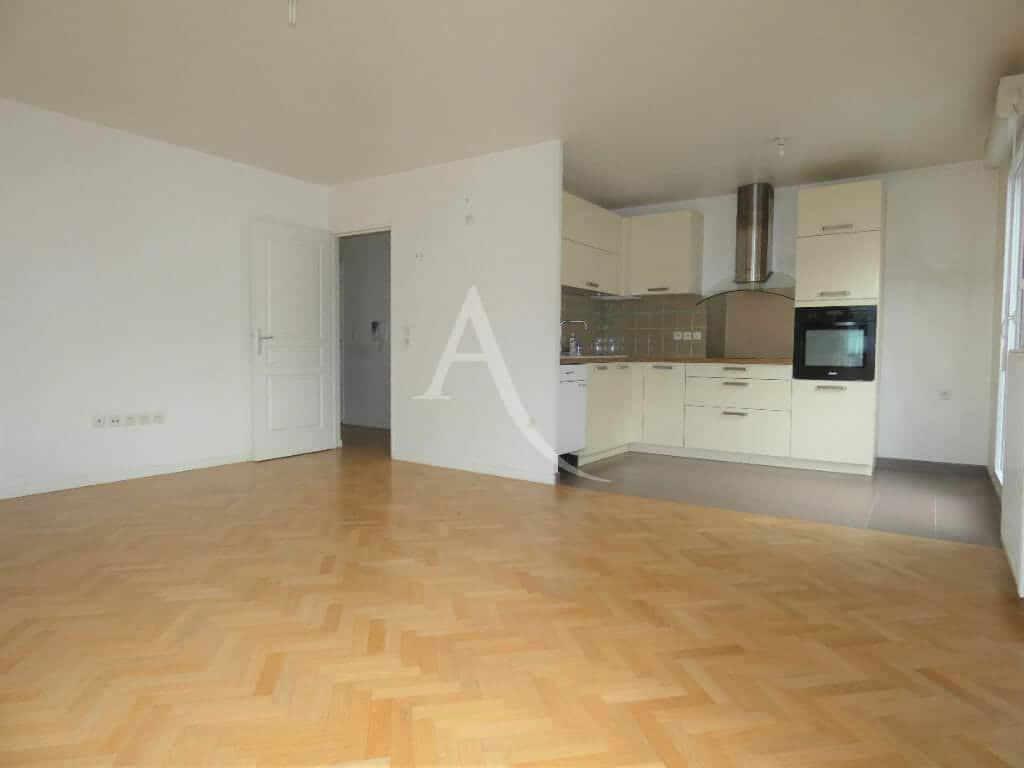 immobilier à vendre: appartement 4 pièces 81 m², lumineux séjour avec cuisine ouverte aménagée