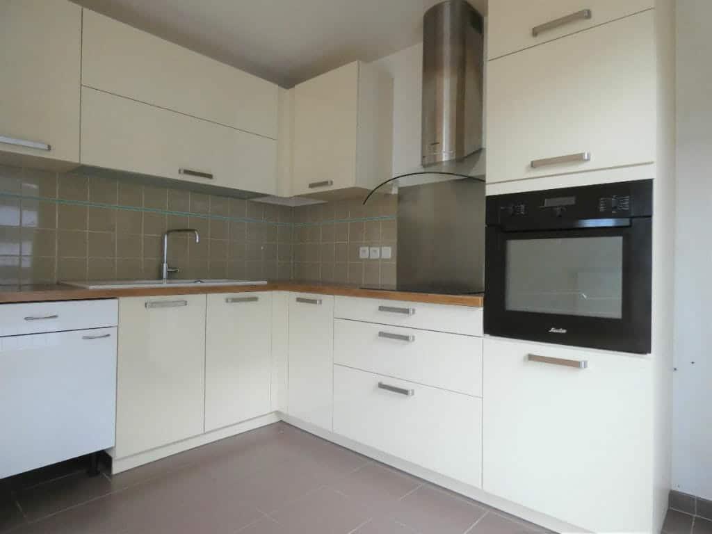 liste agence immobilière 94: appartement 4 pièces 81 m², cuisine ouverte et équipée d'un four, d'une hotte ...