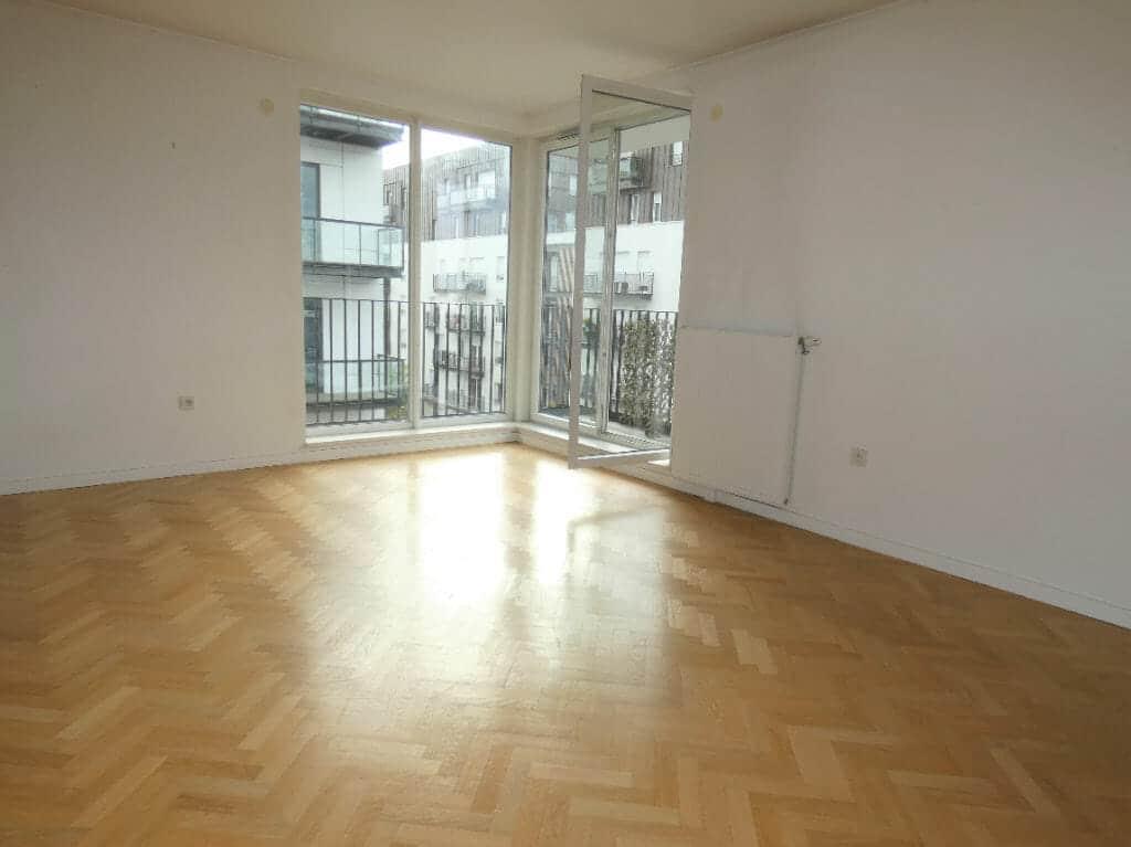 immo valerie: appartement 4 pièces 81 m², beau séjour bien éclairé par 2 portes fenêtres