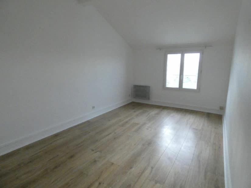 agence immobilière alfortville: 2 pièces 27 m², chambre avec fenêtres double vitrage