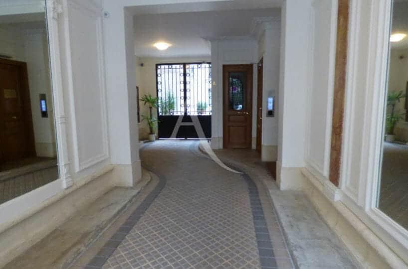 estimation de mon appartement en ligne: 22 m², très belle entrée d'immeuble