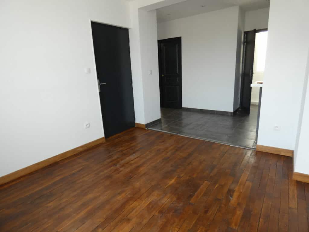 agence immo alfortville: loue appartement traversant 2 pièces 33 m², parquet au sol, cave, rue marcel sembat