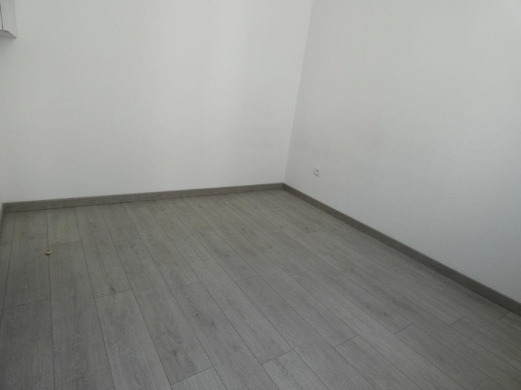 agence immobilière alfortville: 2 pièces 33 m², chambre à coucher avec parquet