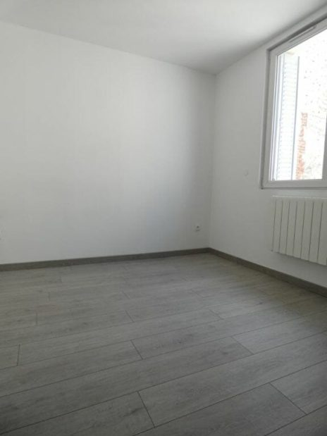 syndic alfortville: 2 pièces 33 m², chambre à coucher avec salle d'eau