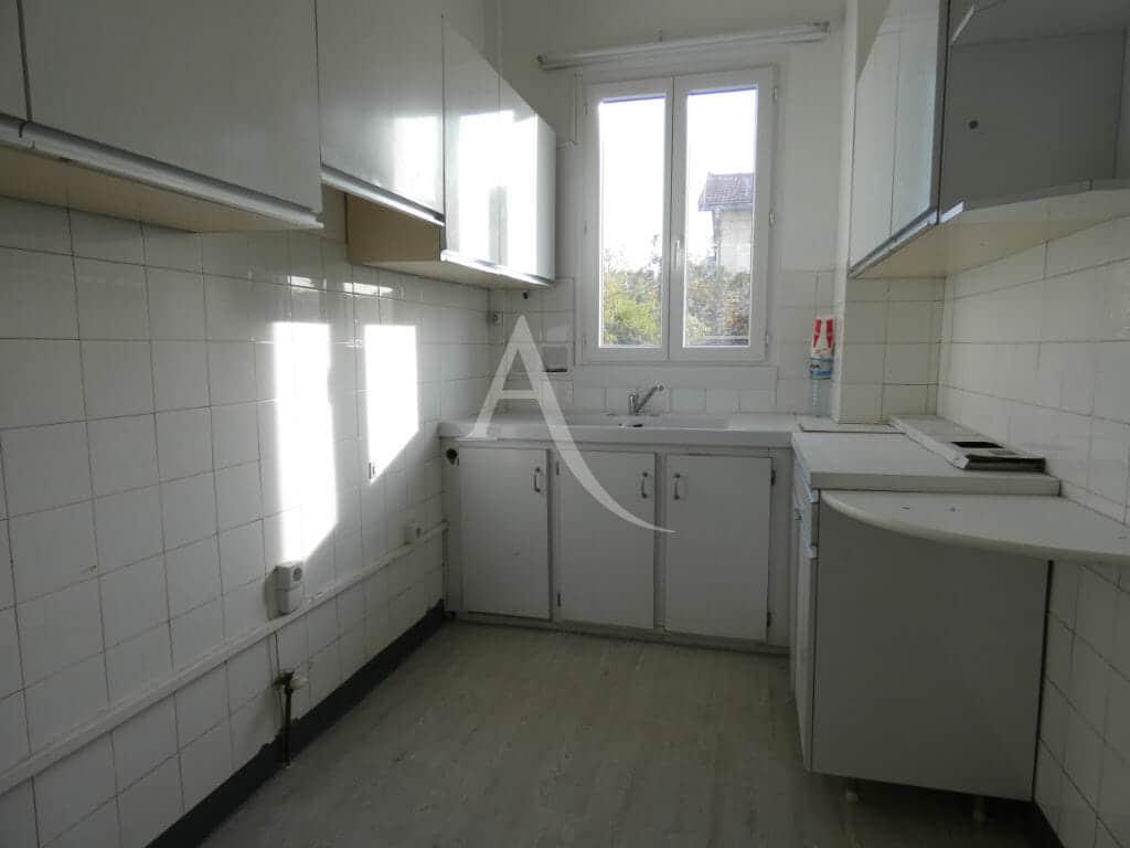 agence immobilière val de marne: 4 pièces 76 m², cuisine indépendante aménagée