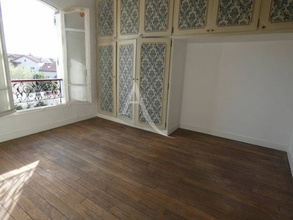 valere immobilier: 4 pièces 76 m², chambre à coucher avec nombreux rangements