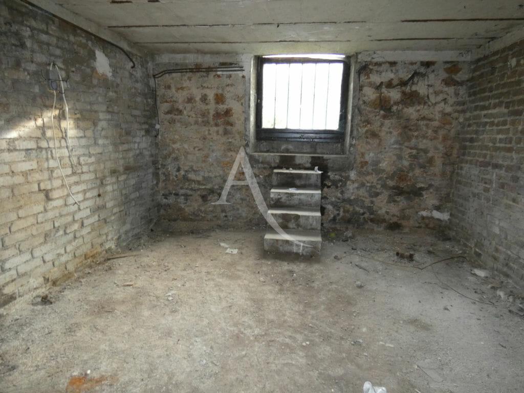 immobilier gestion locative: 4 pièces 76 m², belle surface au sous-sol