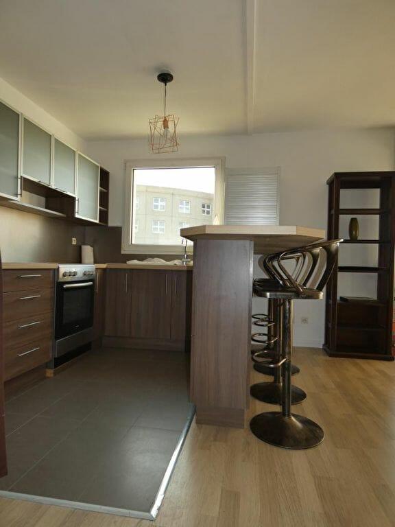 alfortville appartement location: 2 pièces 43 m², cuisine ouverte sur le salon