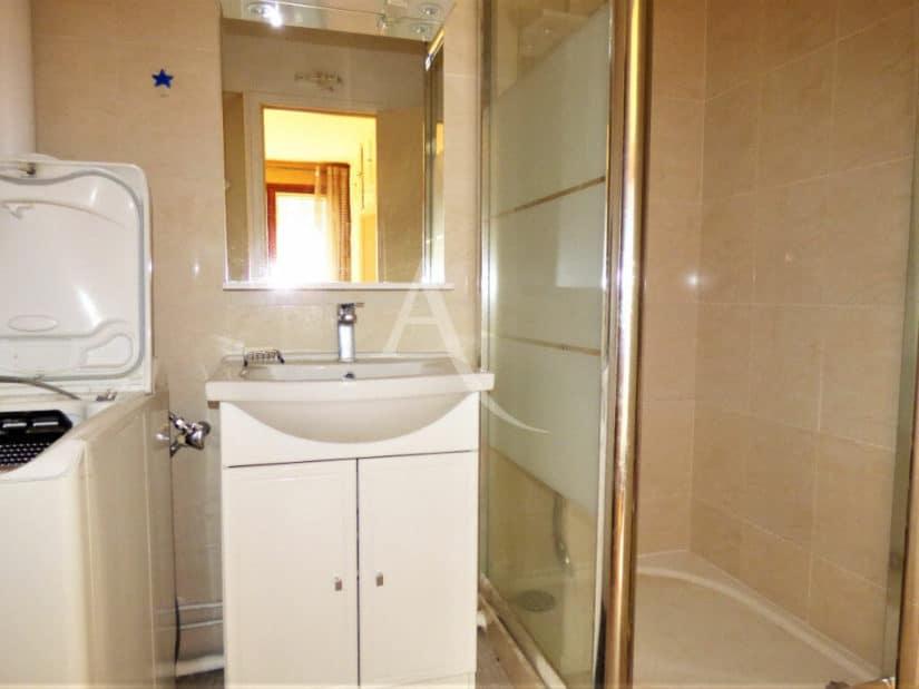 achat vente appartement: 2 pièces, salle d'eau avec douche et branchement pour lave linge