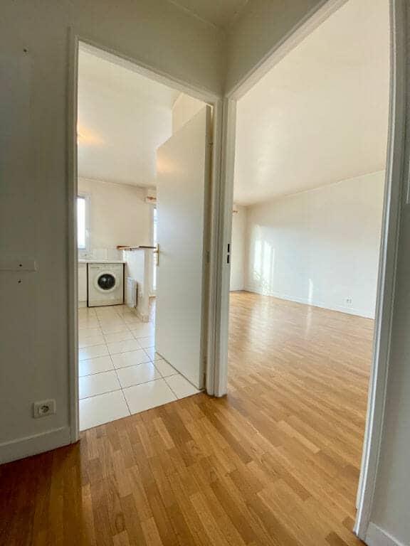 location appartement val de marne: 2 pièces 44 m² séjour avec cuisine américiane, parking, cave, proche bois de vincennes