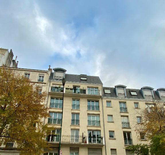location appartement 94: 2 pièces 44 m², résidence en pierre de taille, saint-maurice