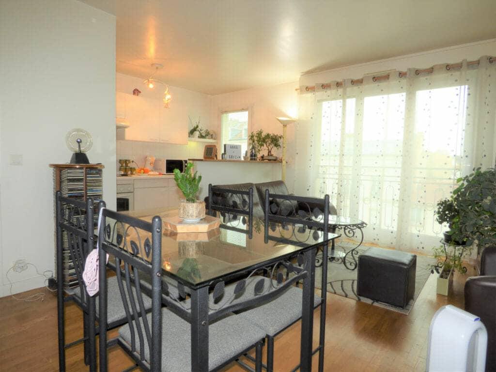 appartement a louer val de marne pas cher: 2 pièces, séjour avec espace repas, saint-maurice