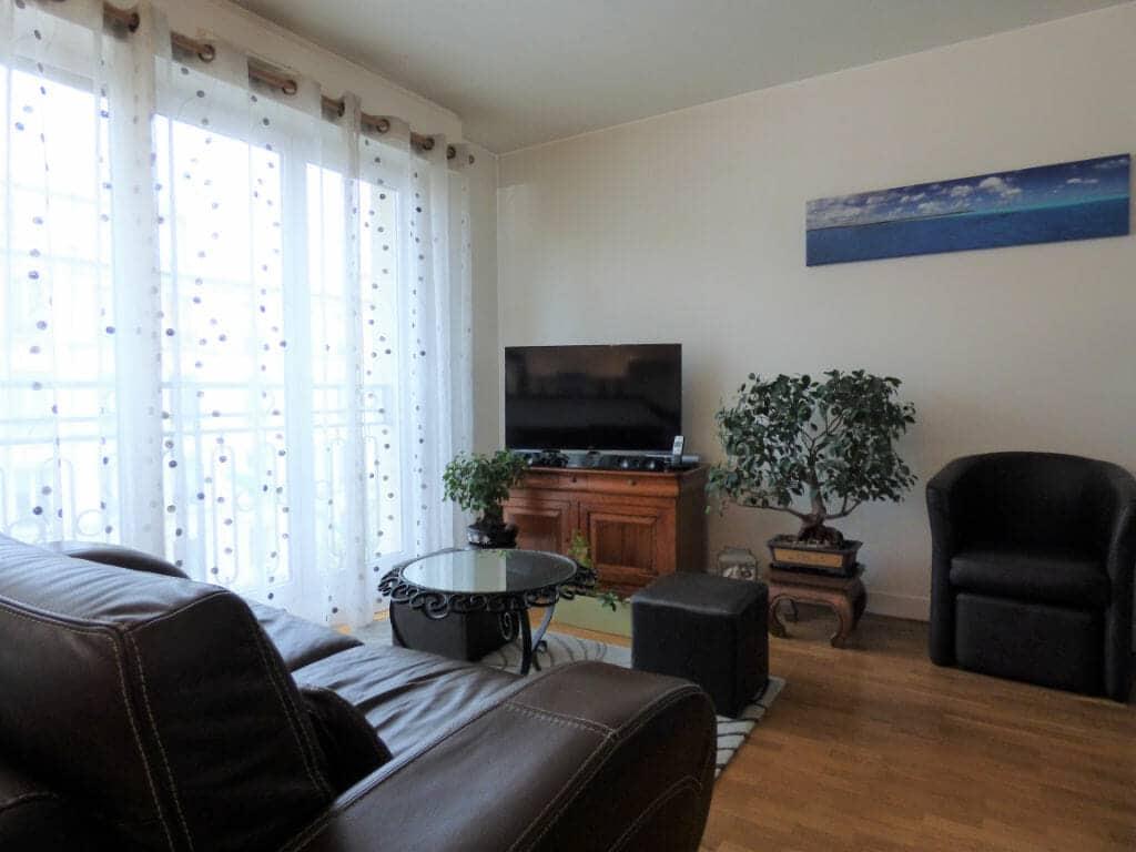 immobilier louer: 2 pièces 44 m², lumineux séjour, très bon état, saint-maurice