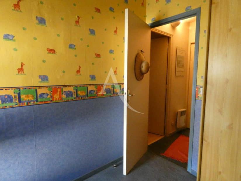 appartement à vendre à alfortville: 3 pièces 55 m², chambre à coucher d'enfant