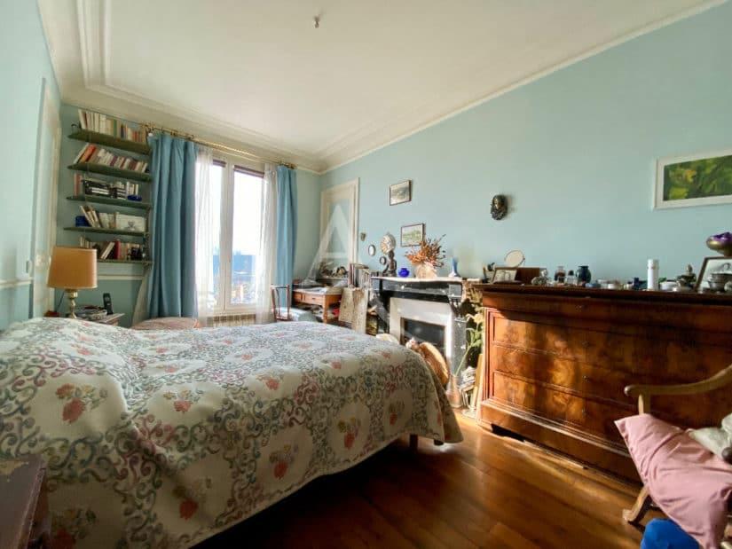 charenton le pont immobilier: appartement 3 pièces 68 m², première chambre avec cheminée