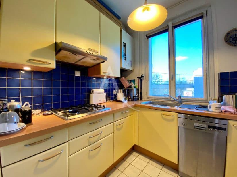 achat appartement charenton le pont: 3 pièces lumineux 68 m², cuisine aménagée séparée