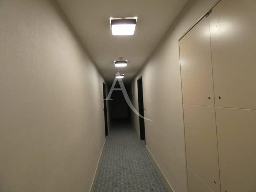agence immobilière val de marne: 2 pièces 38 m², au 1° étage / 6 avec ascenseur, digicode