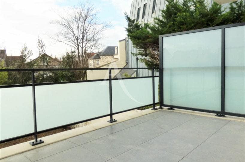 location appartement val de marne: 2 pièces 44 m², grande terrasse avec vue dégagée