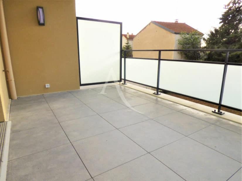 location appartement 94: 2 pièces 44 m², grande terrasse accès salon