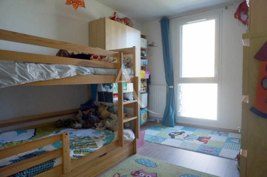 estimer appartement alfortville: 3 pièces 56 m², chambre à coucher avec lits superposés