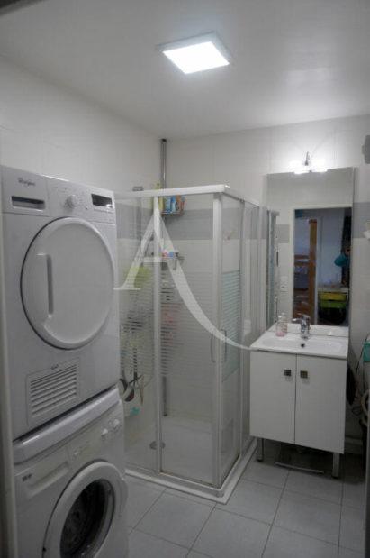 vendre appartement alfortville: 3 pièces, salle d'eau avec douche, évacuation lave linge