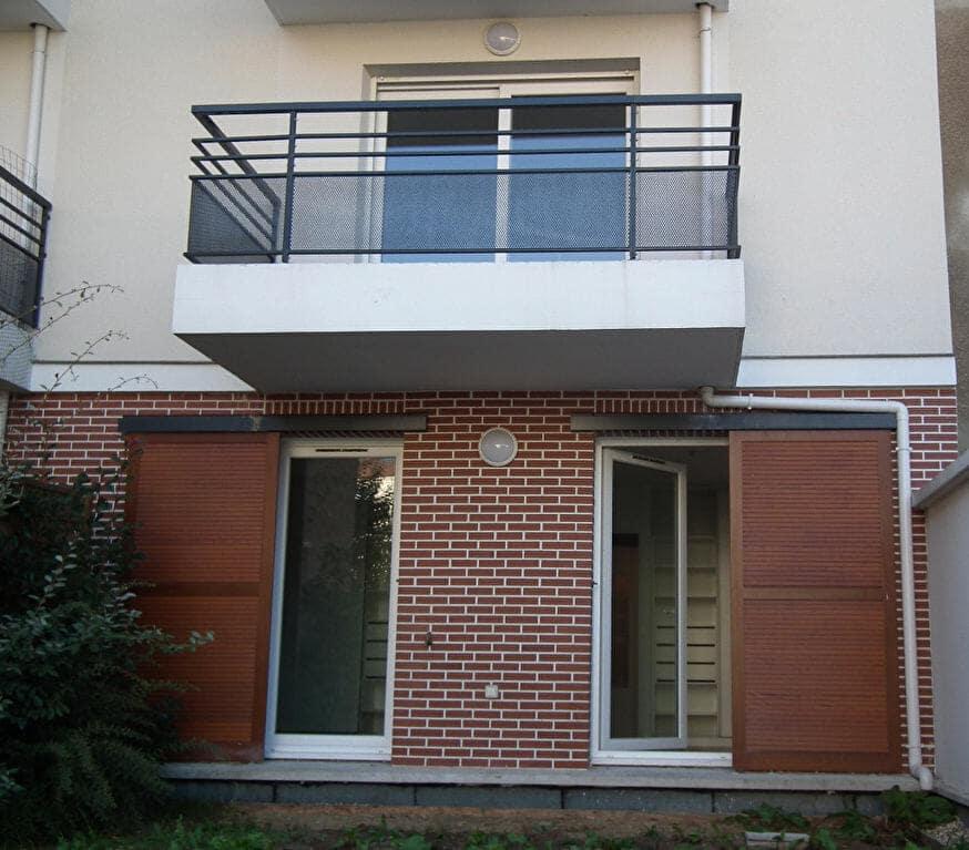 location appartement alfortville: duplex 3 pièces 64 m², au 1° étage avec balcon, parking