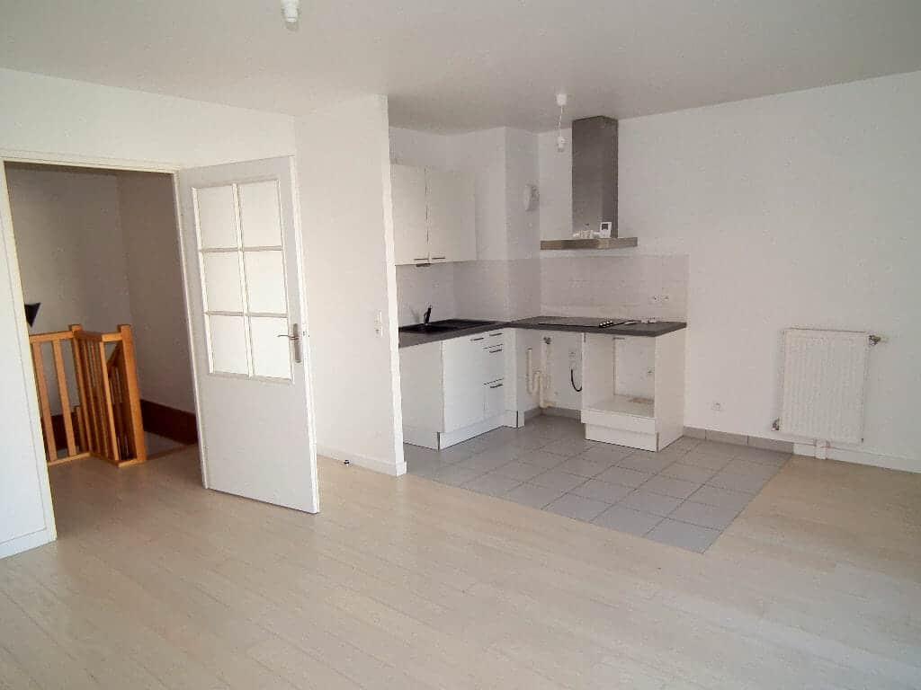 l adresse alfortville: 3 pièces 64 m², séjour avec cuisine ouverte et aménagée