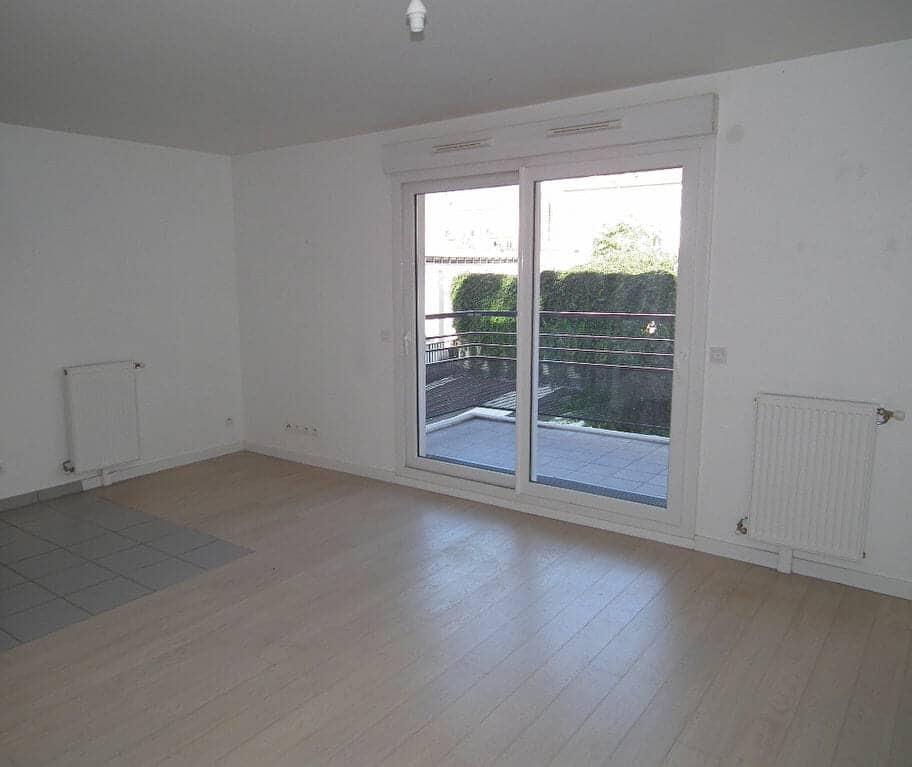 agence l'adresse alfortville: 3 pièces 64 m², séjour avec balcon, vue sur le jardin