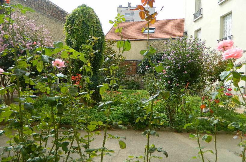 vente studio à maisons-alfort: 16 m², beau jardin communautaire dans la cour de l'immeuble