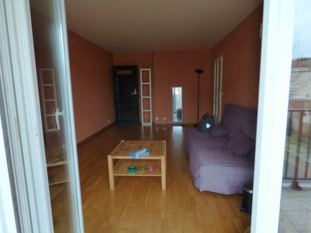 louer appartement alfortville: 3 pièces 68 m², vue sur le salon depuis le balcon